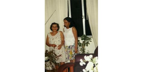 Tia Sonia 01
